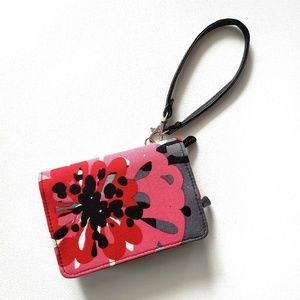 Thirty One / Every-day Wristlet in Bold Bloom